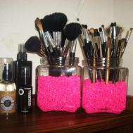Fab Frugal Diy Makeup Brush Holder Thefabzilla