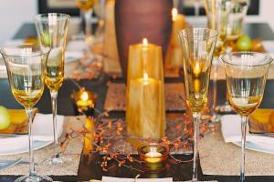Glittering Fall Table Setting Centerpiece Ideas