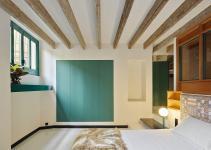 Globetrotting Entrepreneur Home Barcelona Carved Out