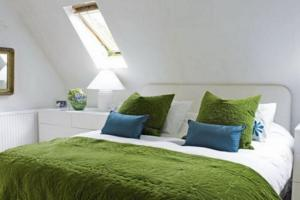 Green Bedroom Ideas Furnish Shades
