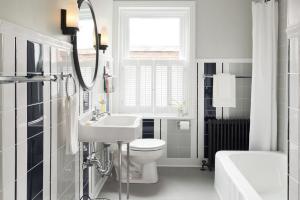 Hot Trends Adding Art Deco Into Your Interiors