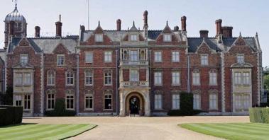 Human Remains Found Queen Sandringham Estate Mirror