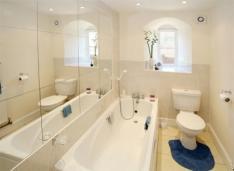Inspiring Bathroom Ideas Small Spaces Narrow