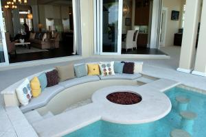 Interior Half Round Conversation Pit Small Pool