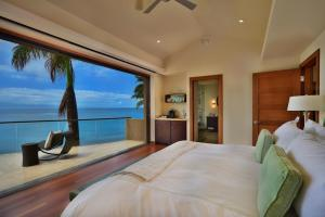 Jewel Kahana House Beachside Maui Hawaii