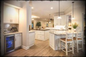 Kitchen Cabinets Wall Mission Viejo Floor