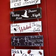 Last Minute Halloween Decor Printable Door Hanger