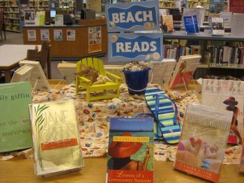 Librarydisplayideas Beach Reads
