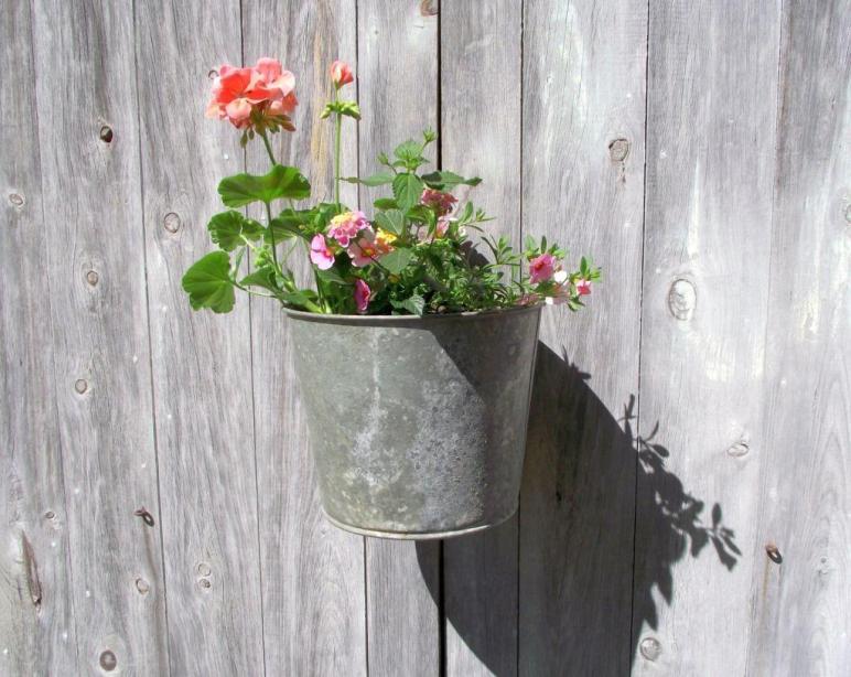 Lovely Diy Hanging Flower Vase Ideas