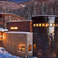 Luxury Vacation Ski Home Over Edge Chalet