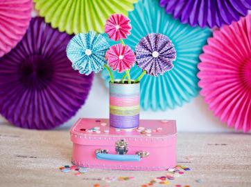 Make Paper Flowers Using Cupcake Liners Tos Diy