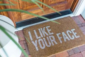 Make Welcoming Spring Doormat