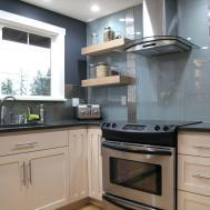 Mirrored Tiles Backsplash Arrange Furniture