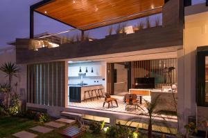 Modern Concrete Beach House Design Rooftop Terrace