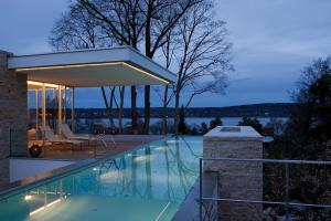 Modern House Infinity Pool Near Lake Starnberg