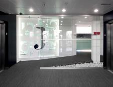 Modern Office Interior Glass Design
