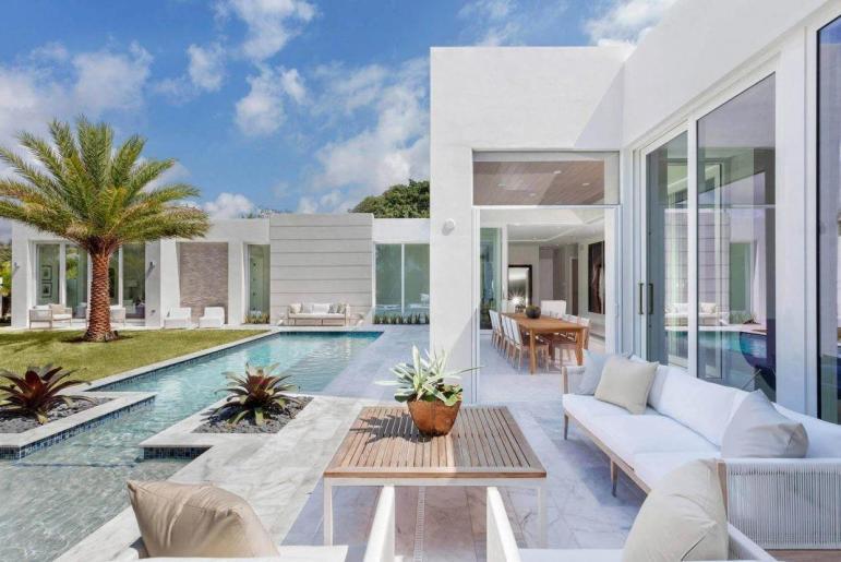 Modern Single Family House Located Delray Beach