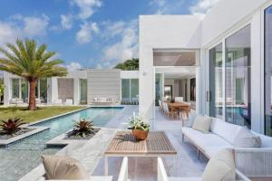 Modern Single Family House Located Delray Beach