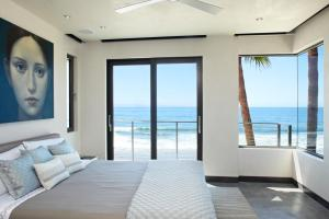 Ocean Bedroom Interior Design Ideas