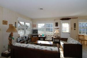 Oceanside Family Vacation Cottage Avon Hatteras Island