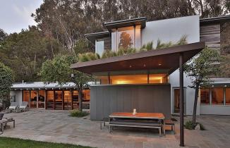 Ranch Style Santa Monica Home Draped Pleasant Rustic