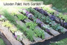Repeat Crafter Wooden Pallet Herb Garden