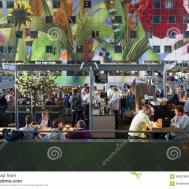 Rotterdam Netherlands May 2015 People Shopping