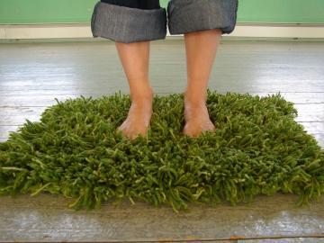 Savvy Housekeeping Knit Grass Rug