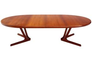 Sculptural Solid Teak Base Danish Modern Oval Dining Table
