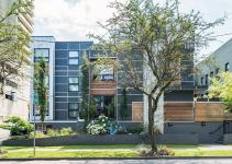 Smart Modern Apartment Vancouver Urbane Elegance