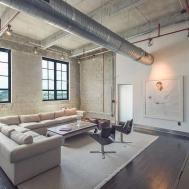 Stunning Industrial Chic Loft Near Downtown Lists 95m