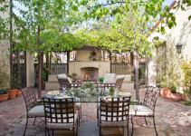 Stylish Functional Outdoor Dining Rooms