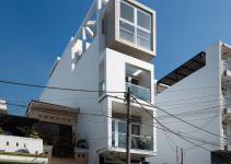 Versatile Narrow House Chi Minh City Beats Space