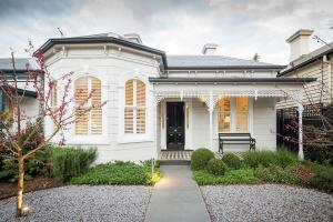 Victorian Style House Melbourne Transformed Into