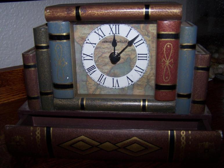 Vintage Howard Miller Desk Clock Stacked Antique Books