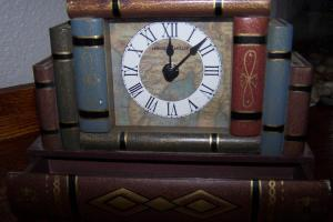 Vintage Howard Miller Desk Clock Stacked Antique Books