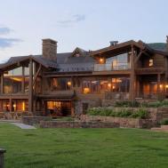 Wheeler Residence Expansive Retreat Flair