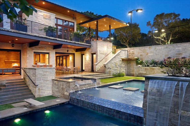 World Architecture Spirit Lake Modern Hillside Home