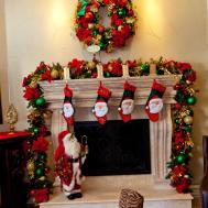 Wreaths Show Decorating