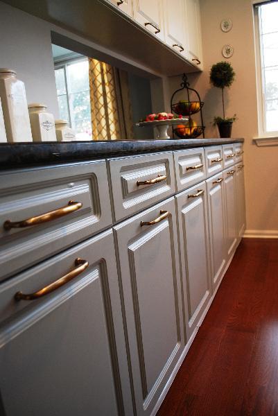 Light Gray Kitchen Cabinets Design Ideas