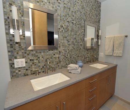 Bathroom on Bathroom Ideas With Maple Cabinets  id=27813
