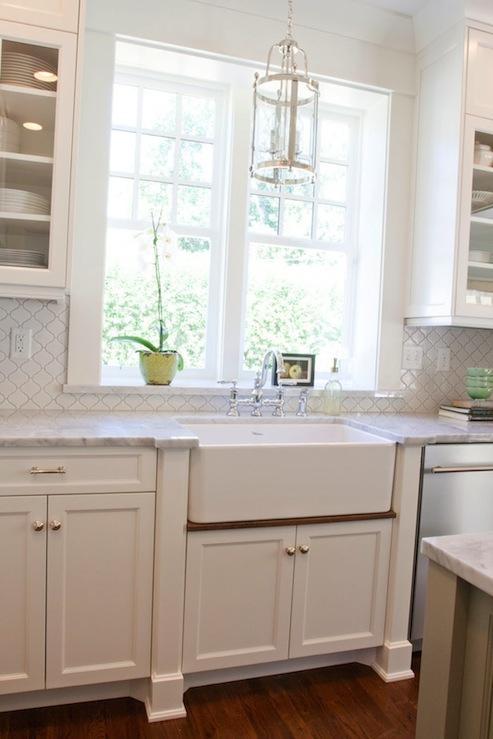 Arabesque Tile Transitional Kitchen Benjamin Moore