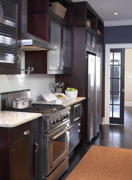 White kitchen cabinets with navy blue walls for Navy blue granite countertops