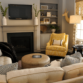 Taupe sofa living room ideas for Taupe couch decor