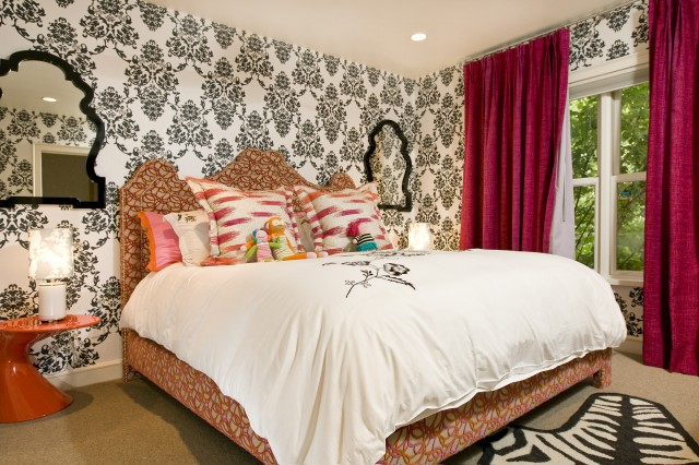 Beautiful S Bedroom With Black White Damask Wallpaper Pink Orange Queen Bed Ikat Shams Fuchsia Velvet Curtains Window Panels