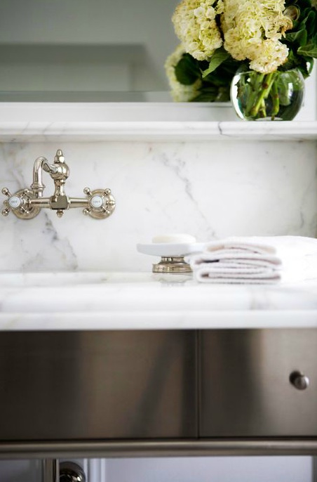 vintage style wall mounted faucet