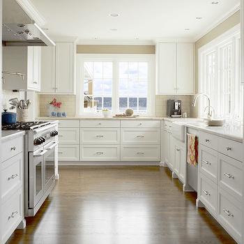Crisp White Kitchen Cabinets Design Ideas