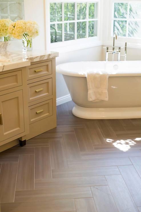 Corner Oval Bathtub With Floor Mount Gooseneck Tub Filler