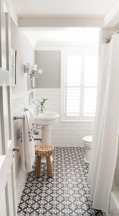 gray paint color for bathroom