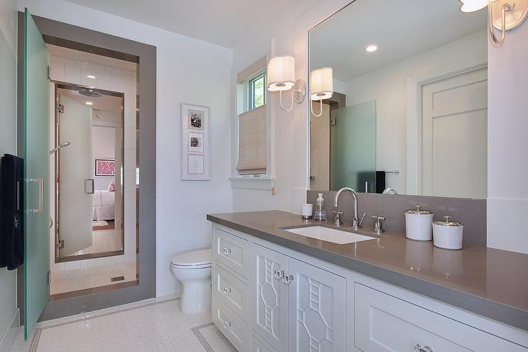 If you plan to restore a craftsman home, or seek to mirror … Jack and Jill Shower with Frosted Glass Doors